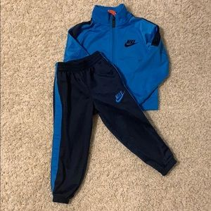Nike toddler boys size 2t tracksuit